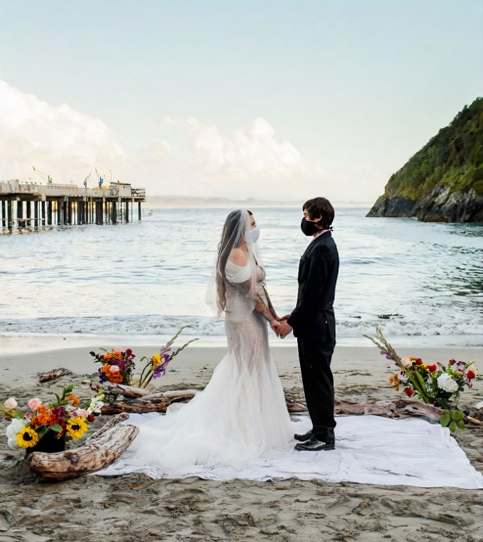 When The Pandemic Ruins Your Wedding, You Find A Beach And Improvise