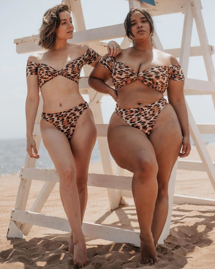 Two Friends Show How The Same Clothes Look On Their Different Body Types (33 Pics)