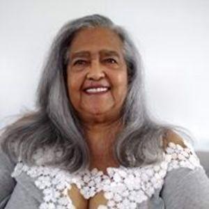 Gloria J Williams