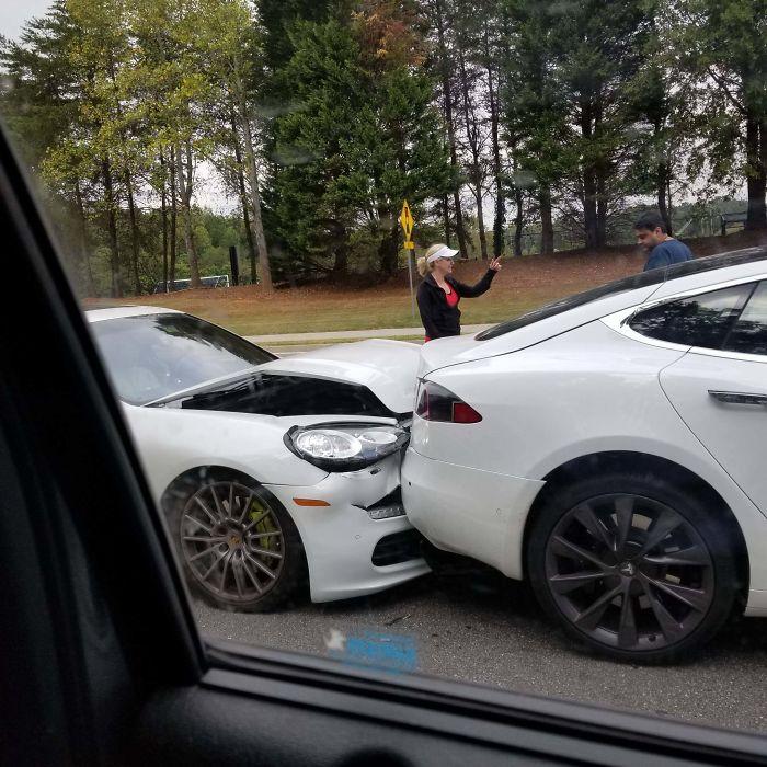 Porsche Panamera Hybrid vs. Tesla Model S