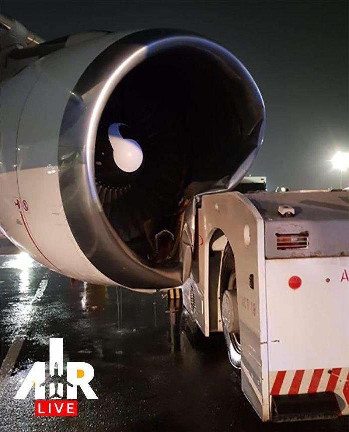 Tug Hit An A300