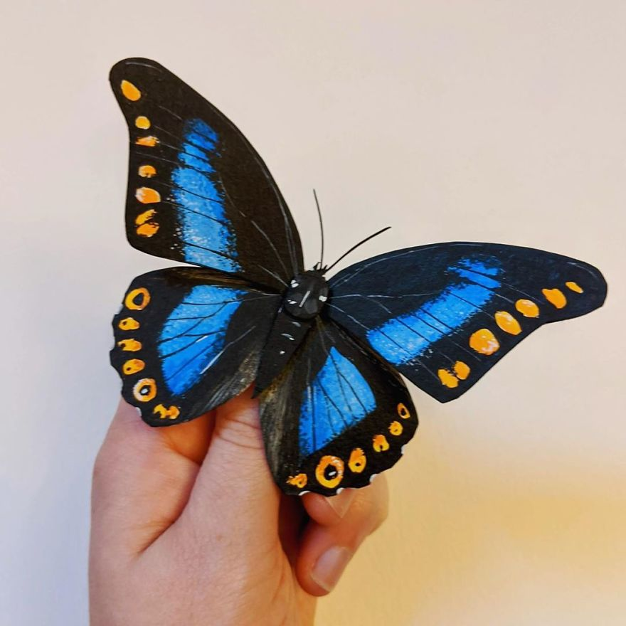 Artist Creates An Incredible Variety Of Realistic Insects Using Only Paper