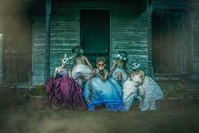 I Found Animal Masks, Princess Gowns, And An Abandoned House To Carry Out This Creepily Beautiful Shoot (12 Pics)