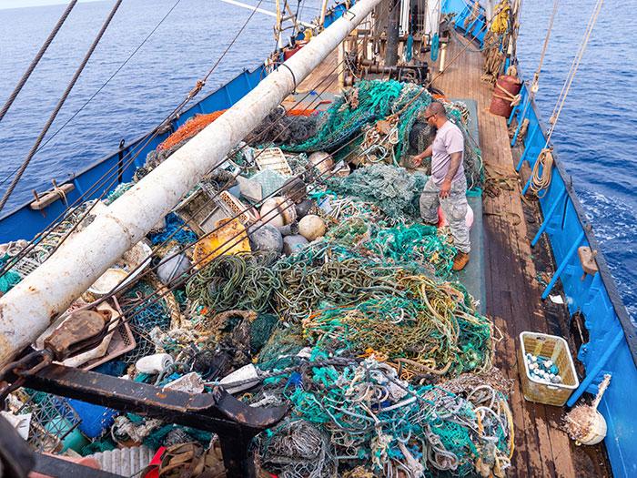 Вывоз пластика