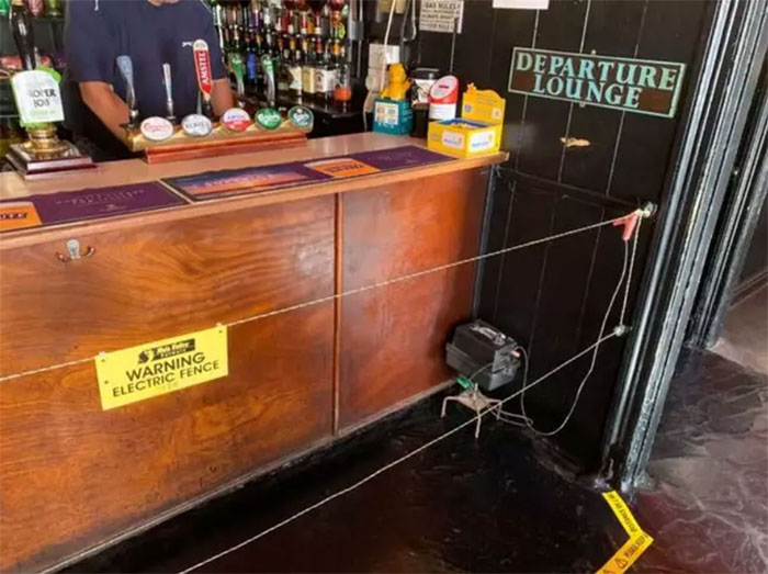 Pub Installs Electric Fence To Stop Drinkers Getting To The Bar
