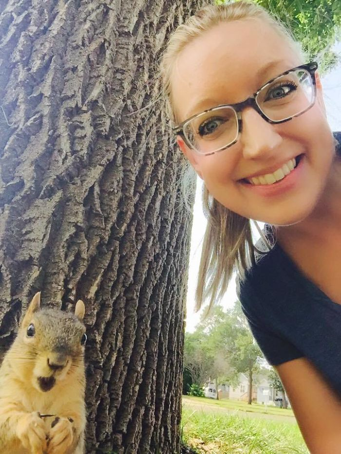 When You Totally Surprise Your New Squirrel Friend Who Visits You Every Day With A Selfie