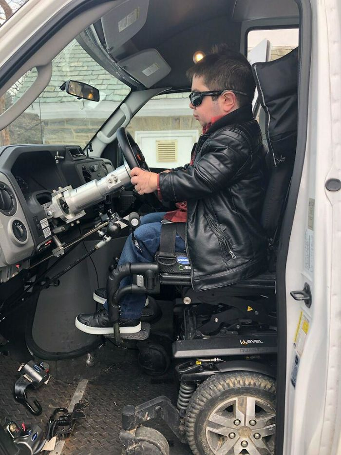 Not My Van But I Finally Got To Drive An Adaptive Vehicle, Me Being Disabled. Crazy Dreams Come True