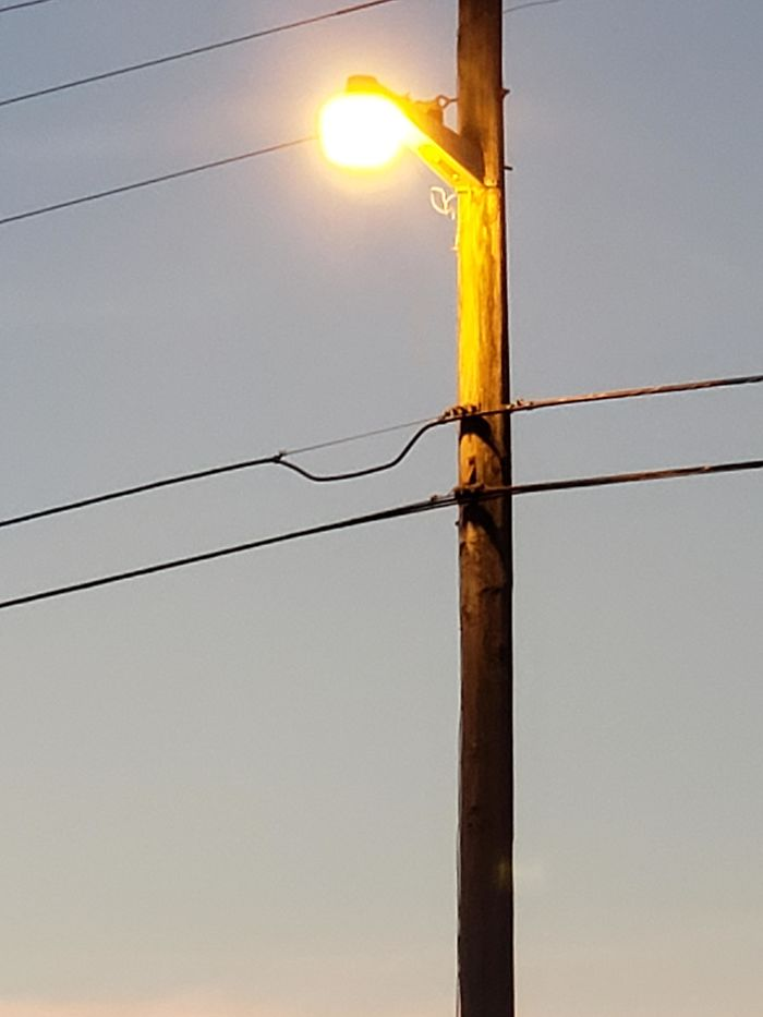What Is This Slack In Power Lines? What Purpose Does It Serve?