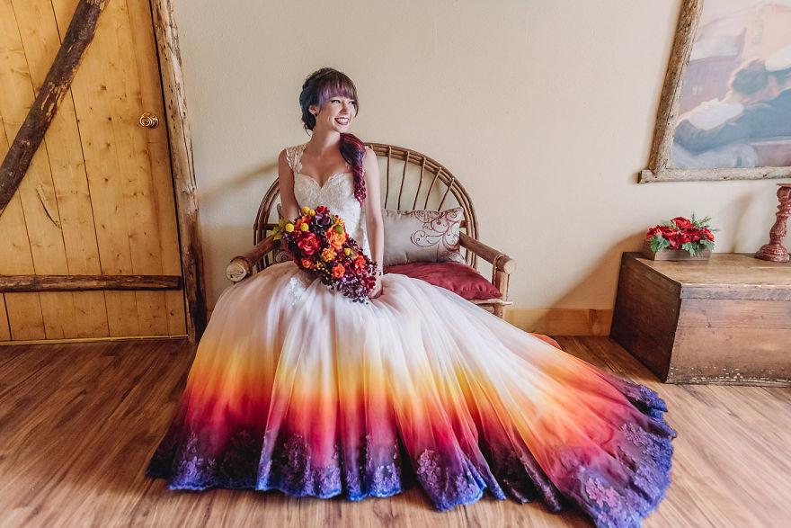 Красочное свадебное платье