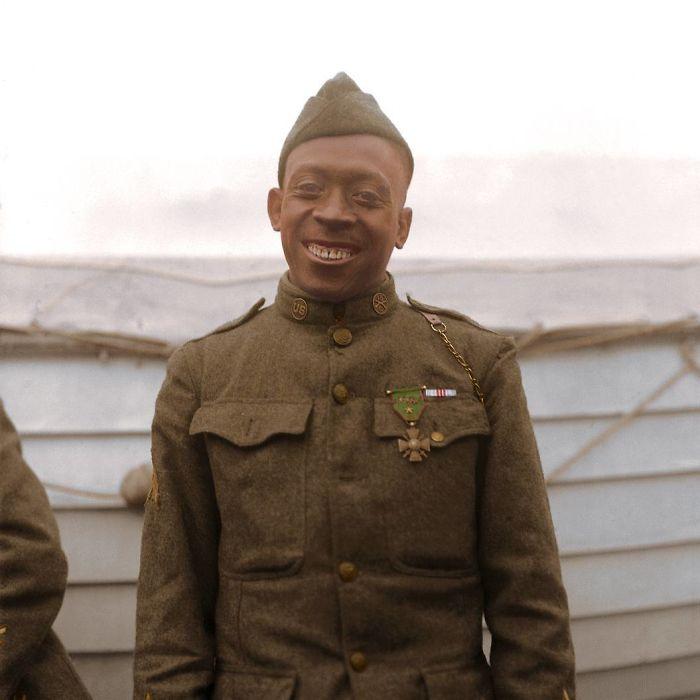 Sargento Henry 'Black Death' Johnson de la compañía 369