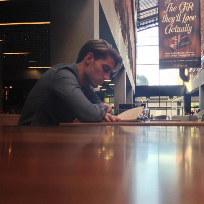 Instagram-Account-Shares-Hot-Dudes-Reading-Books