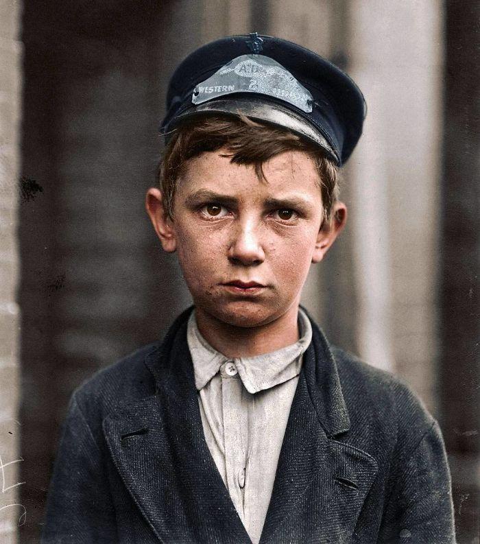 Richard Pierce, de 14 años. Trabaja como mensajero, lleva 9 meses de servicio. Trabaja de 6 a 18h, fuma y visita burdeles. Delaware, mayo 1910
