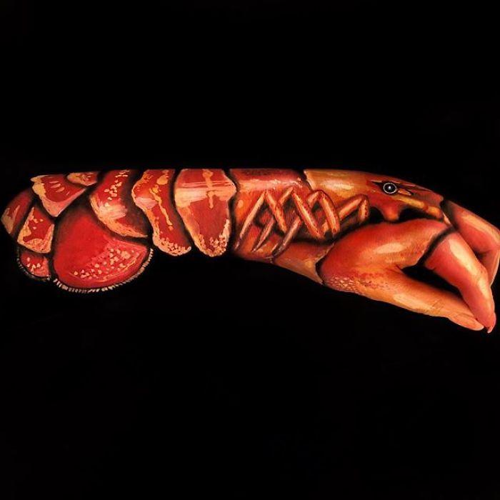 Çin Sanatçı Etkileyici Vücudunda Boyalar