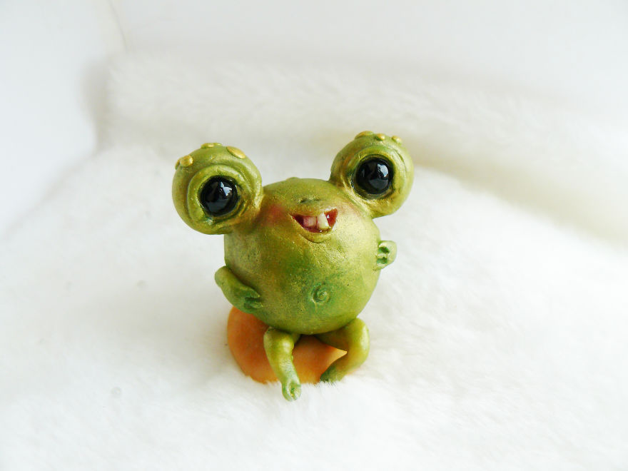 Beginner-Toymaker-Cute-Creepy-Toys-Lelea-Creatures