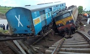 Train-Crash-5efeeb879525b.jpeg