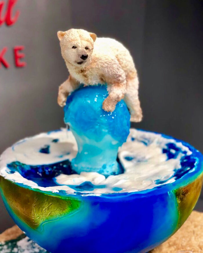Woman Makes Hyper-Realistic Cakes That Look More Like Works Of Art