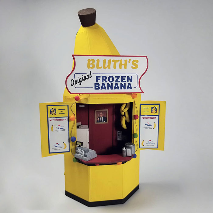 """I Made A Tiny Model Of The Banana Stand From """"Arrested Development"""" Down To The Tiniest Bits (7 Pics)"""