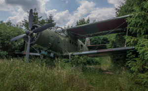 I Found An Abandoned Biplane In Poland (11 Pics)