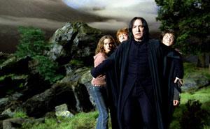Los fans de Harry Potter comparten detalles pequeños pero relevantes que han descubierto sobre Severus Snape (25 imágenes)