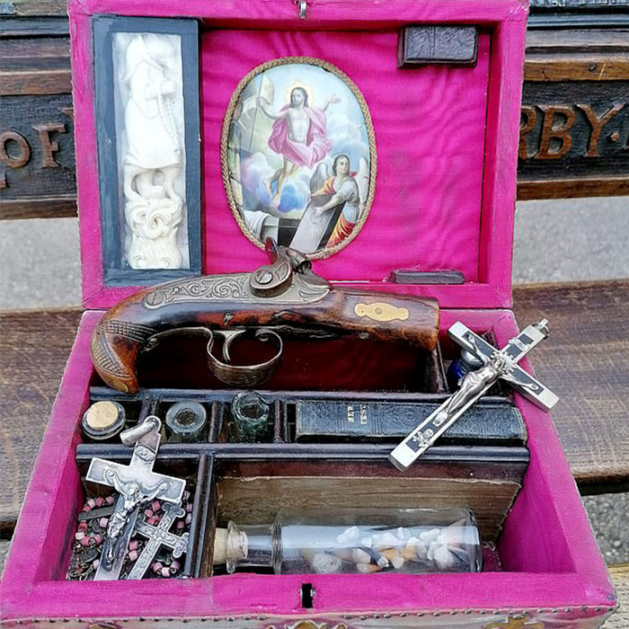 A Vampire-Slaying Kit Worth About 3000 Dollars Is Going On Auction In The UK