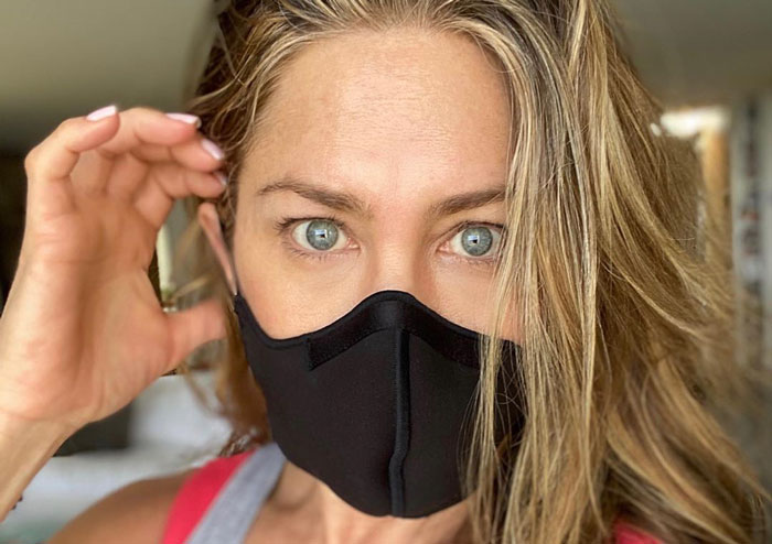 Jennifer Aniston's Sincere Post About The Need To Wear A Face Mask Gets 5 Million Likes In 10 Hours