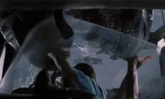 In Jurassic Park When The T. Rex Comes Through The Glass Roof Of The Van In The First Attack, The Glass Was Not Meant To Break. It's No Wonder Those Kids' Screams Sounded So Genuine