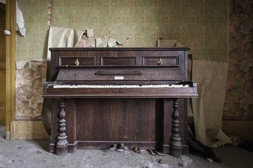 Steinberg Variations (Abandoned Templar Farm, France)