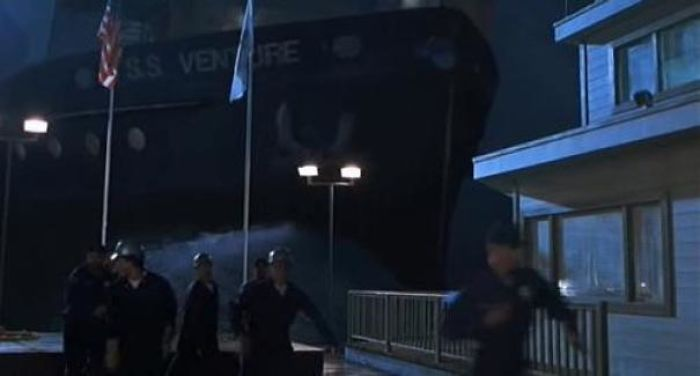 In The Lost World: Jurassic Park, The Ship That Brings The T-Rex To San Diego Is Called The S.s Venture, Which Is A Reference To King Kong, In Which A Ship Called The S.s Venture Brought King Kong To New York