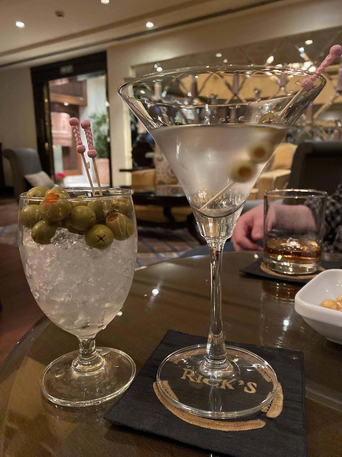 Gin Martini, Extra Olives