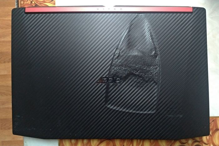 My Poor Girlfriend Wakes Up To Her Laptop With A Hot Iron On Top Of It Courtesy Of Her Brother