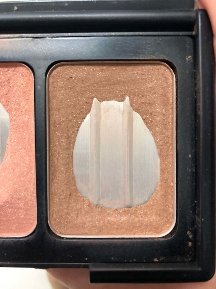 The Space In My Bronzer Looks Like A Cat.