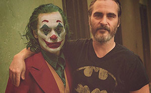 Famous Hollywood Actors Hanging Out With Their Iconic Roles By Ard Gelinck (57 Pics)