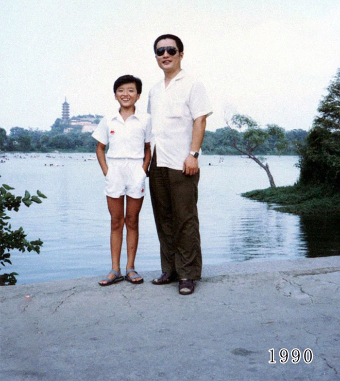 This Dad And Daughter Have Been Taking Yearly Pics At The Same Spot For 40 Years, And The Pics Show How Time Flies