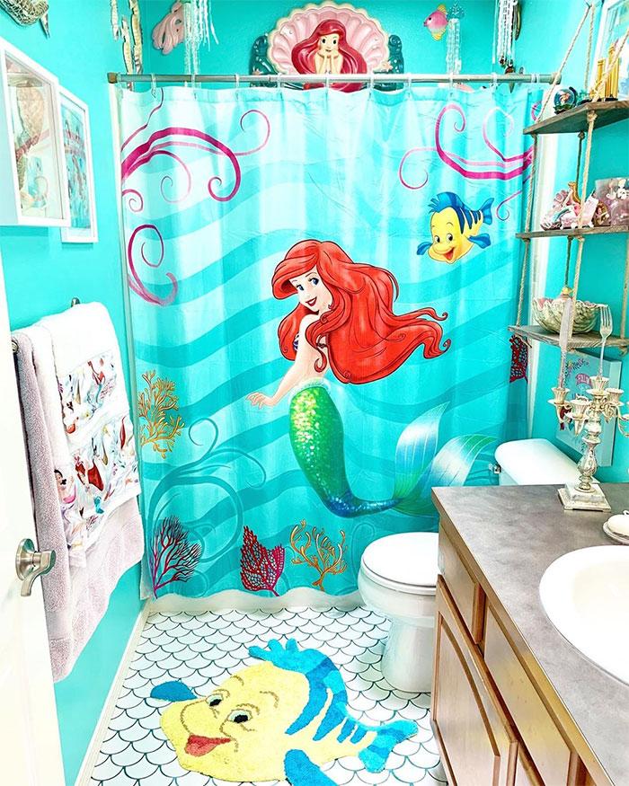 Mom Transforms Her House Into A Disney Fairytale (35 Pics)