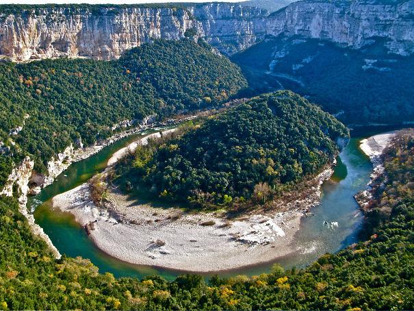 meandre-gorges-ardeche-5f4b5175bd2f1.jpg