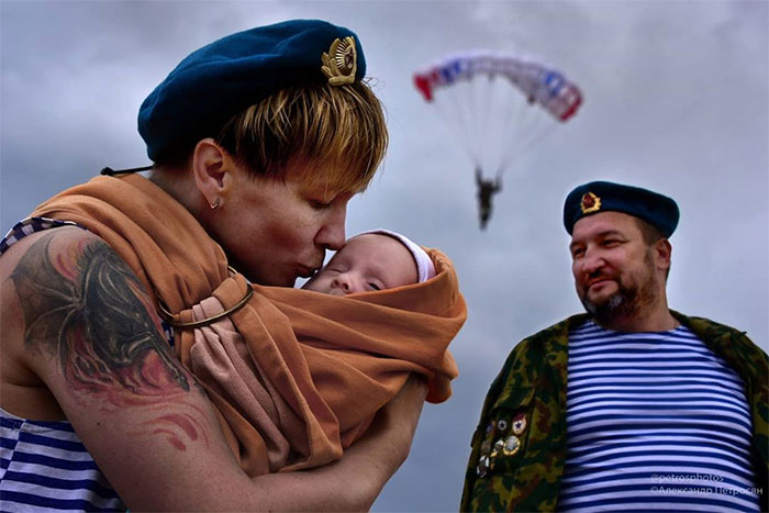 This Is What Russia Really Looks Like: 30 Honest And Bizarre Photos By Aleksandr Petrosyan