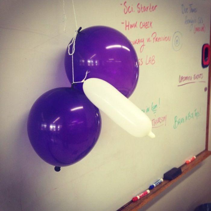 Mala colocación de los globos en clase