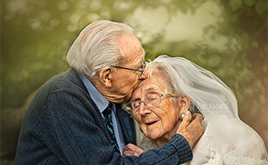 My Sentimental Photos Show The Undying Love Of This Elderly Couple That Has Been Married For 68 Years (16 Pics)