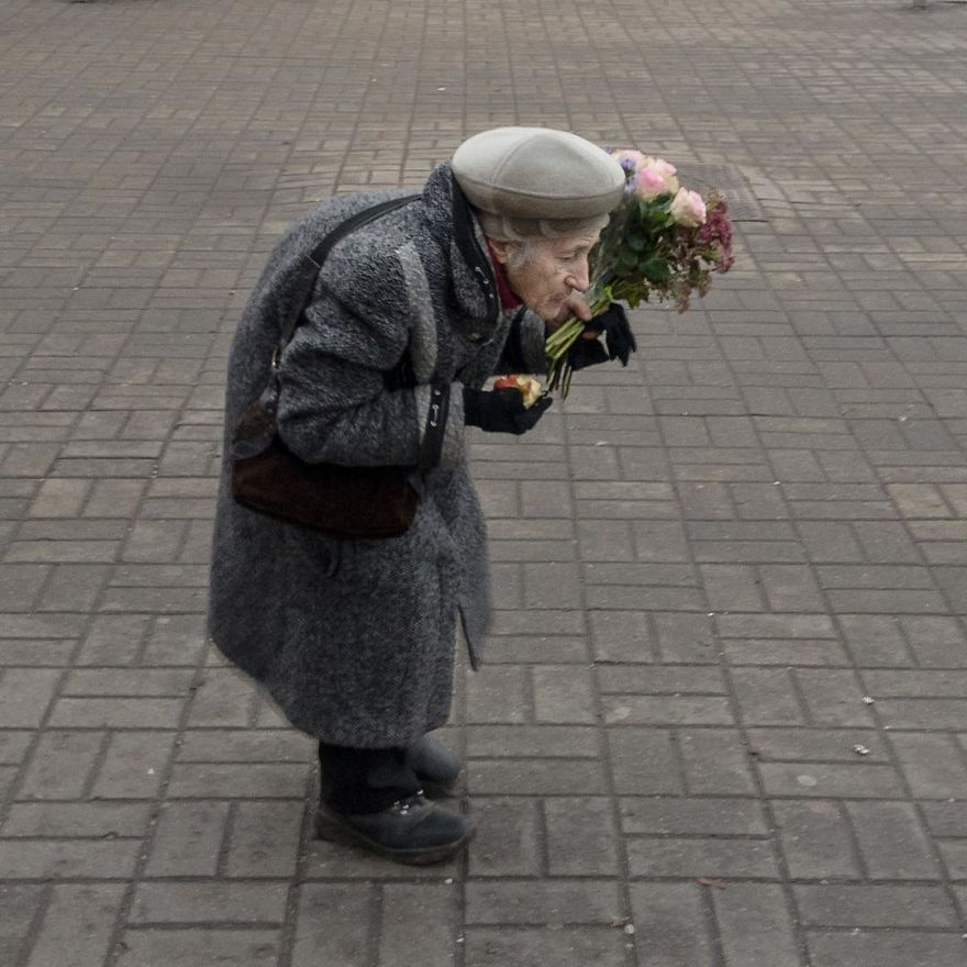 Photographer Reveals Peculiarities Of Russian Daily Life In A Unique Way
