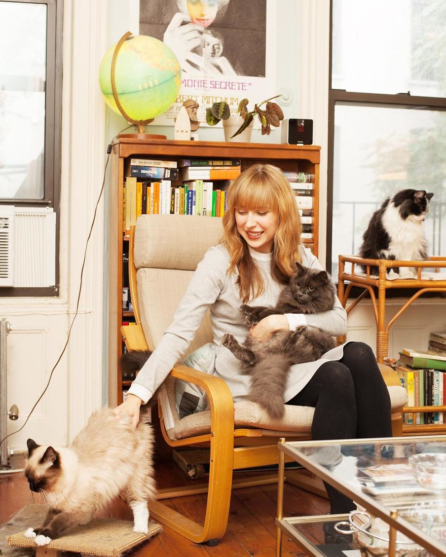 Anna Is An Artist Who Lives In Park Slope With Her Husband And Three Cats