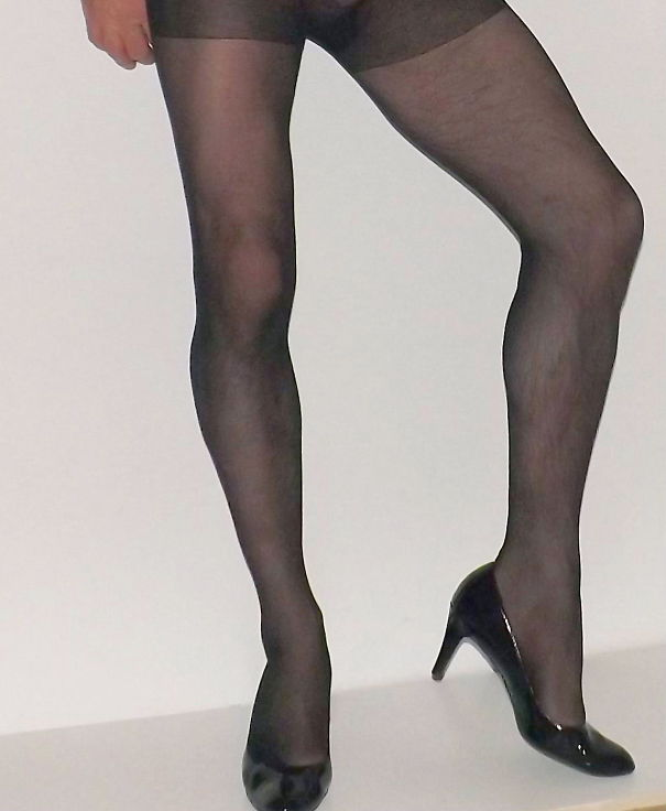 TightsHairy-Legs-5f6f24147d368.jpg