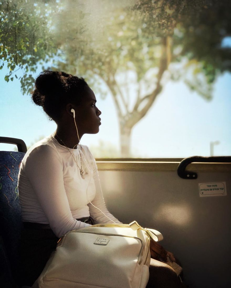 Woman Uses Her iPhone To Photograph Other Passengers On Their Way To Work And The Result Is Pure Art