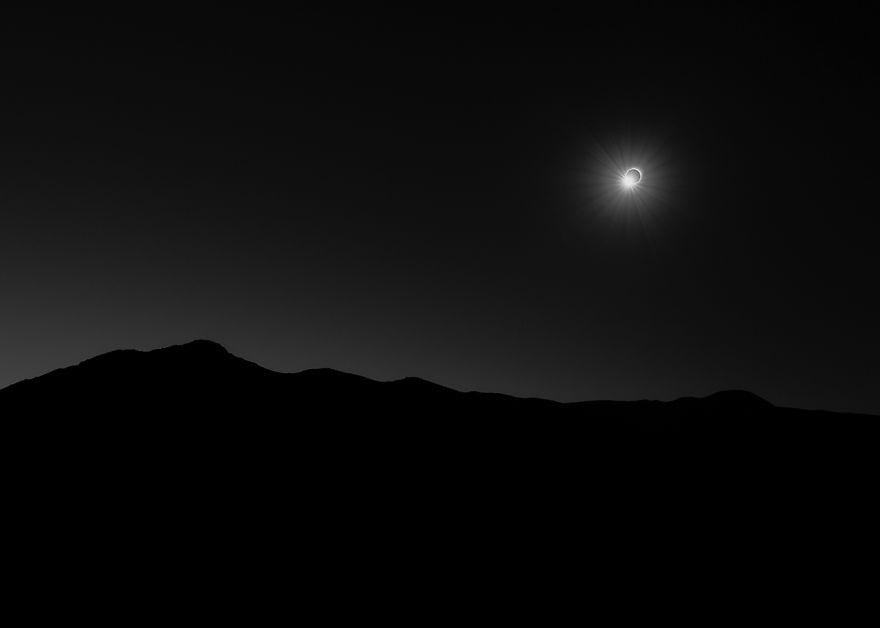 Our Sun Runner Up - '145 Seconds Of Darkness' By Filip Ogorzelski