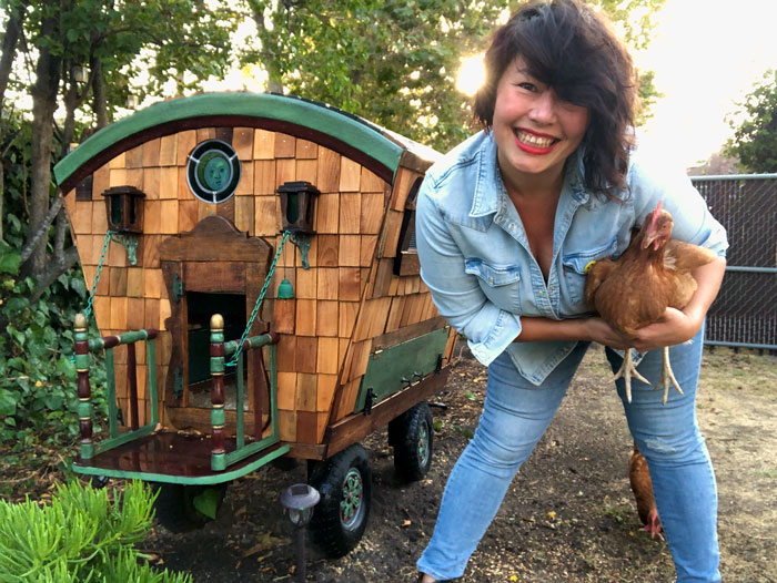 I've Built This Fairytale-Like DIY Chicken Coop Out Of Up-Cycled Materials (16 Pics)
