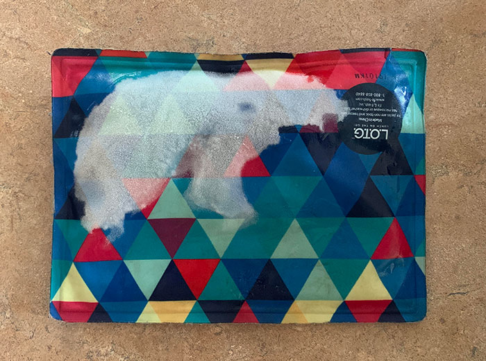 La forma en que se descongela mi bolsa de hielo parece un oso polar