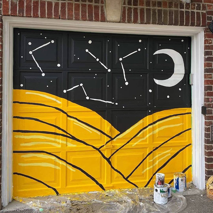 """Person Gets An Angry Letter From An Anonymous Neighbor Claiming Her Garage Door Is """"Ghetto Graffiti"""", But The Internet Thinks It's Awesome"""