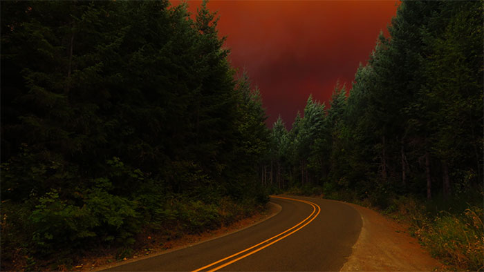 I Took These 14 Photos Of Massive Wildfires A Day Before Evacuation From My House In Oregon