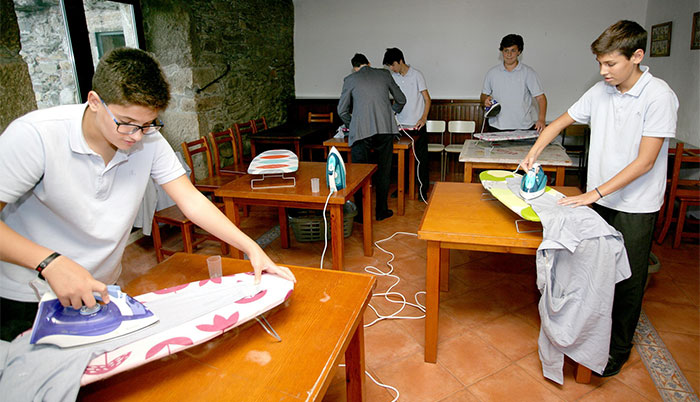 School In Spain Teaches Boys How To Do Chores, And People Have Mixed Reactions