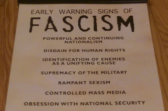 Holocaust Museum Shares 14 Signs Of Fascism In Its Early Stages, People Now See A Connection To The Current State of US Politics
