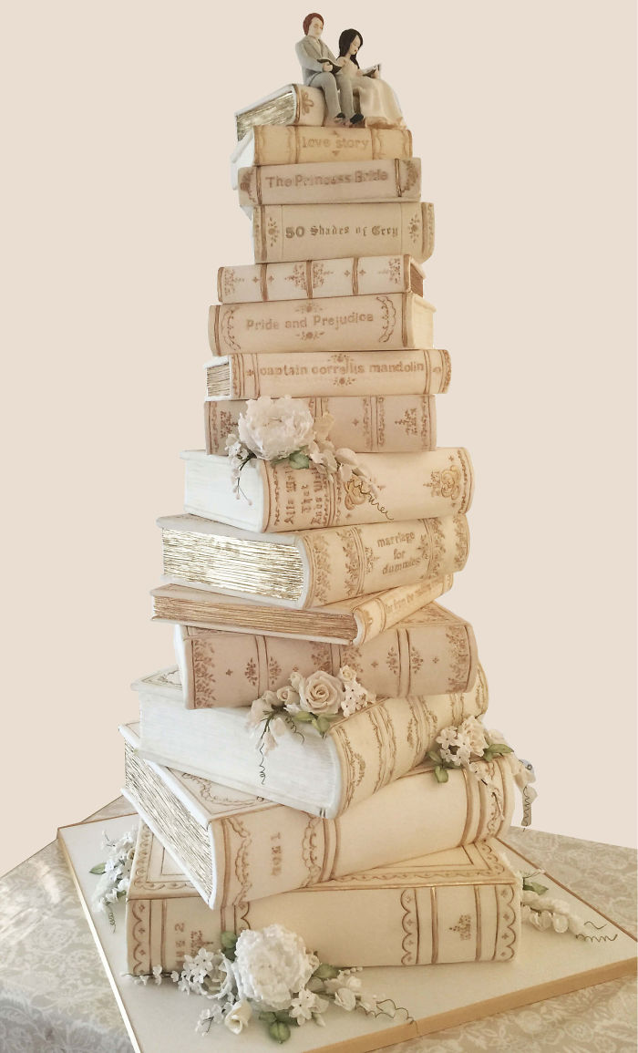 Book-Lovers Wedding Cake